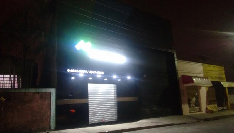 Letra Caixa com Iluminação Interna na Penha - Letra Caixa Galvanizada